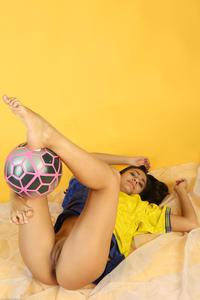 [Image: th_217793560_Cira_nerri_e_a_futbol_1_122_144lo.jpg]