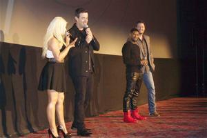 [Fotos+Videos] Christina Aguilera en la Premier de la 4ta Temporada de The Voice 2013 - Página 4 Th_986178258_Christina_Aguilera_90_122_146lo