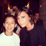 VB & her fans (pix through the years) Th_252373371_25_122_224lo