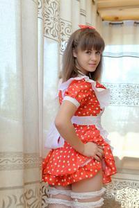 http://img155.imagevenue.com/loc419/th_105058449_tduid300163_Silver_Sandrinya_maid_1_048_122_419lo.JPG