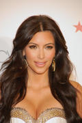 th_047495934_Kardashian003_2011_may6_event_122_539lo.jpg