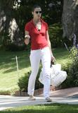 Bridget Moynahan walking back to her house after picking up some lunch, August 20, 2008 - 23HQ